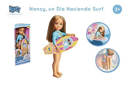 Nancy-Un día Haciendo Surf, Incluye Muñeca con Tabla y Neopreno, para niñas a Partir de 3 años (Famosa 700015528)