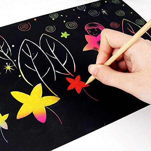 Scratch Art Paper, 50 Obras De Arte De Raspado De Arco Iris y Manualidades Infantiles Papel Rayado Negro, con 5 Estilográficas De Madera, 4 Reglas De Dibujo y 1 Sacapuntas (18.5 * 26 Cm) …
