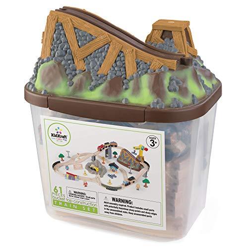 KidKraft- Bucket Top Juego de tren con vía de madera para niños, vía clásica con grúa y accesorios incluidos (61 piezas) (17805)