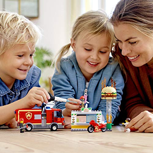 LEGO City Fire - Rescate del Incendio en la Hamburguesería, Set de Construcción de Aventuras de Bomberos, Incluye Camión y Moto de Juguete (60214)