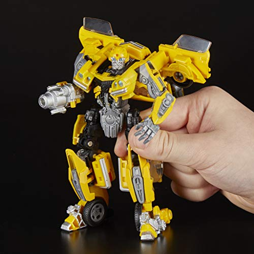 Transformers - Generations Studio Series Deluxe Stryker (Hasbro E0739ES0)